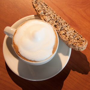 cappucino with biscotti on the side